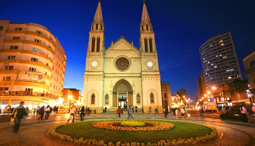 curitiba-catedral-830x474_830x474