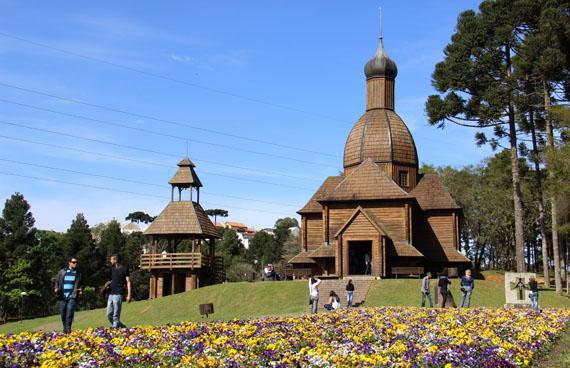 curitiba-parque-tingui-memorial-ucraniano2